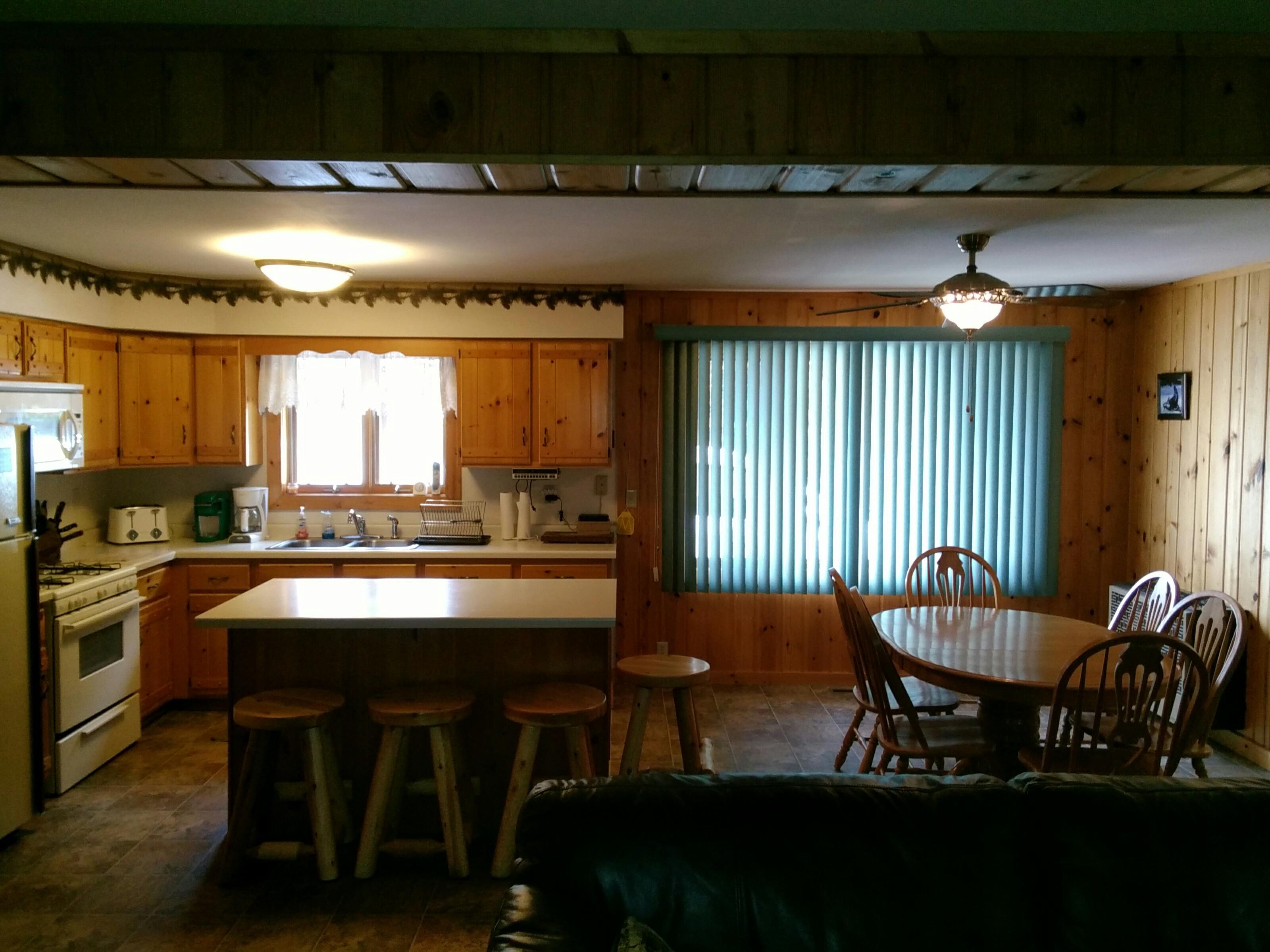 Cabin 24   Kitchen Dinning Room