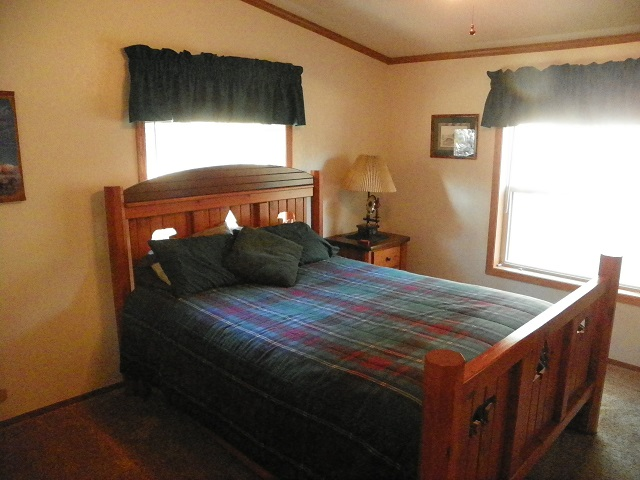 Be Our Guest In Our Newly Remodeled 2 Bedroom 2 Bath Cabin With Central  Air. The Master Bedroom Has A Comfortable Queen Size Bed.